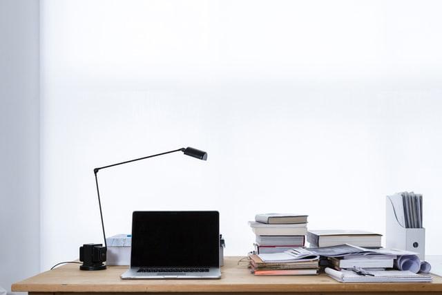 参考書とパソコン