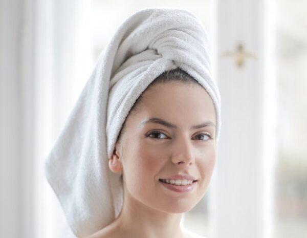 入浴前の女性